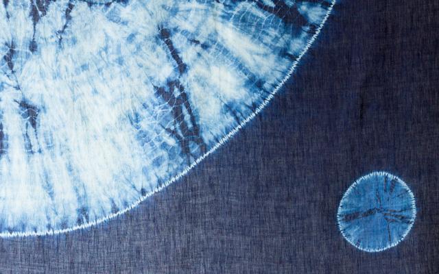本藍絞り染め丸柄